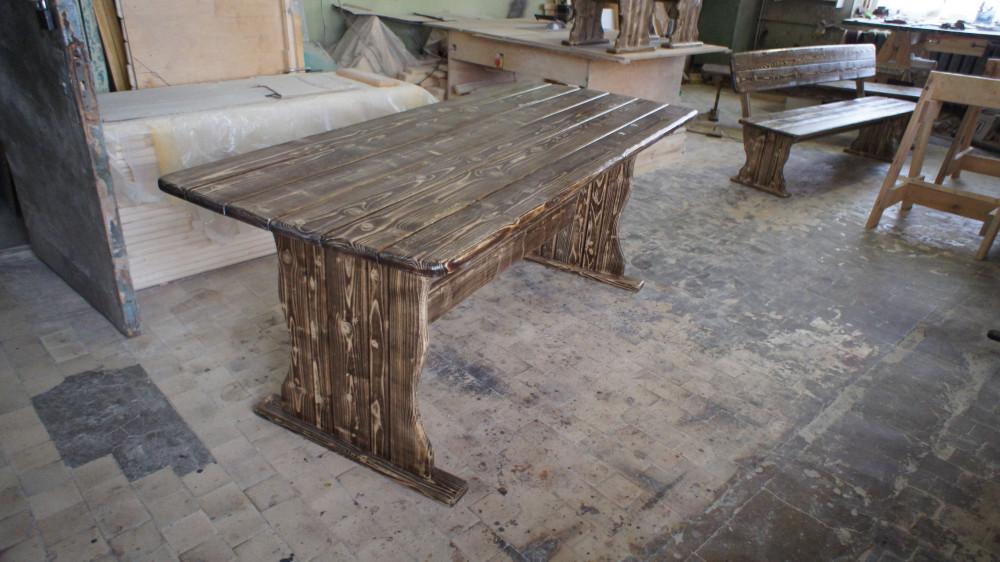 Стол деревянный (под старину)