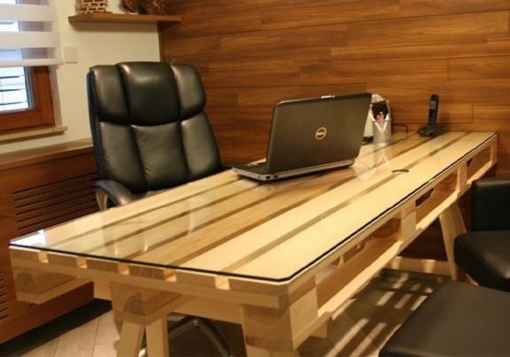 Мебель для кабинета из поддонов Бестин