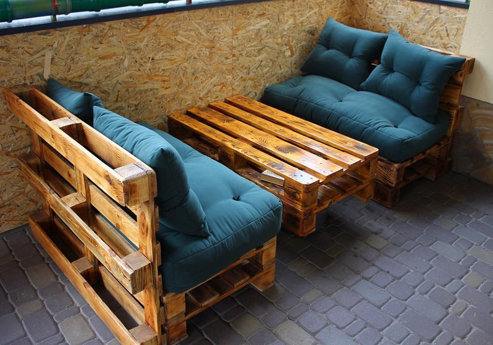 Сделать диван из поддонов своими руками